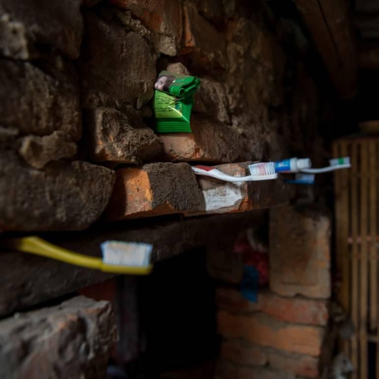 Süleyman Sönmez - Güneşin Tam İçinde featured_anna_rosling_ronnlund_toothbrushes_liberia Dünya İnsanı Gerçekte Ne Hallerde Yaşıyor? | Dollar Street Projesi Günlük Yaşam Sosyal Yardım  İstatistik Zenginlik hayat Fakirlik dünya   Süleyman Sönmez - Güneşin Tam İçinde anna_rosling_ronnlund_toothbrushes_nepal Dünya İnsanı Gerçekte Ne Hallerde Yaşıyor? | Dollar Street Projesi Günlük Yaşam Sosyal Yardım  İstatistik Zenginlik hayat Fakirlik dünya