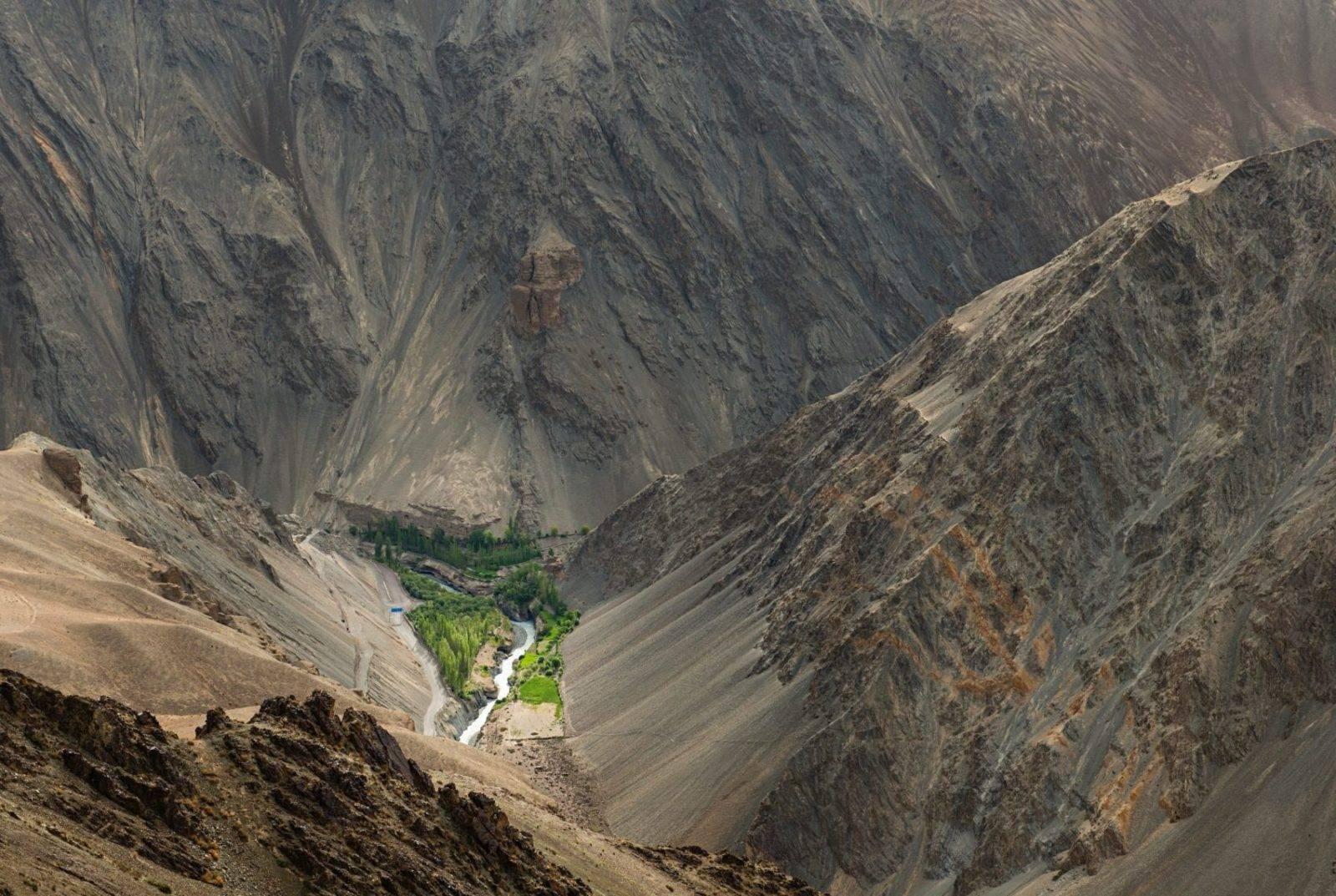 Süleyman Sönmez - Güneşin Tam İçinde buzkulesi10-e1497949846380 Tibet Çölünde Buz Kuleleri | Susuzlukla Mücadele | Ice Stupa Bilim ve Teknoloji Günlük Yaşam Maker / Mucit  Tibet susuzluk Su Elde Etmek Stupa Sonam Wangchuk Rolex Awards kuraklık küresel ısınma Buz Kuleleri Baraj Çöl 3 idiots