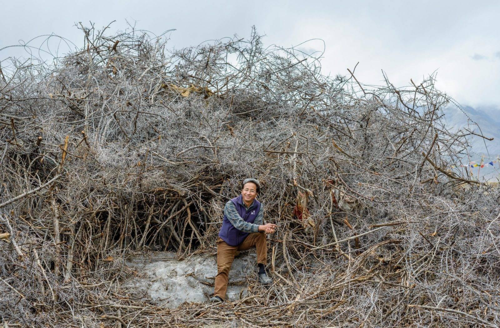 Süleyman Sönmez - Güneşin Tam İçinde buzkulesi13-e1497948062558 Tibet Çölünde Buz Kuleleri | Susuzlukla Mücadele | Ice Stupa Bilim ve Teknoloji Günlük Yaşam Maker / Mucit  Tibet susuzluk Su Elde Etmek Stupa Sonam Wangchuk Rolex Awards kuraklık küresel ısınma Buz Kuleleri Baraj Çöl 3 idiots