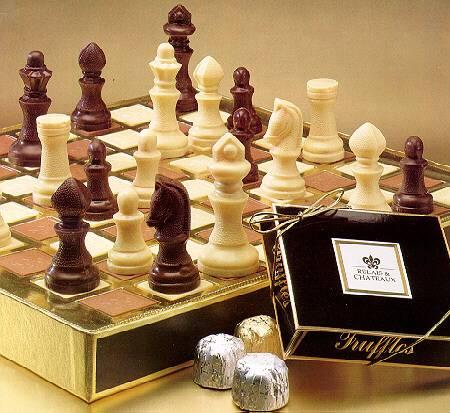 chesschocalate 1 Not: Dikkat, rakip oyuncu piyonunu son karenize ulaştırırsa (çok nadir bir durum, eğer dikkatli bir oyuncuysanız zor) biliyorsunuz piyonu vezir dahil başka bir rütbeli ile değiştirebilir. Not: Dikkat, rakip oyuncu piyonunu son karenize ulaştırırsa (çok nadir bir durum, eğer dikkatli bir oyuncuysanız zor) biliyorsunuz piyonu vezir dahil başka bir rütbeli ile değiştirebilir.