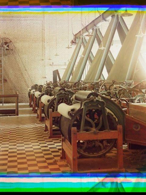 cotton textile mill interior with machines producing cotton thread probably in tashkent loc 9631428466 o Roman ismi gibi bir başlık üstteki ama konuyu çok güzel özetliyor. Yazı tam bir dedektif öyküsü tadında, yüzyıl önceki Rusya var, fotoğrafçılıkta az bilinen harika bir teknik, dijital düzeltme ve Photoshop, bilim, renk teorileri ve görme var. Roman ismi gibi bir başlık üstteki ama konuyu çok güzel özetliyor. Yazı tam bir dedektif öyküsü tadında, yüzyıl önceki Rusya var, fotoğrafçılıkta az bilinen harika bir teknik, dijital düzeltme ve Photoshop, bilim, renk teorileri ve görme var.