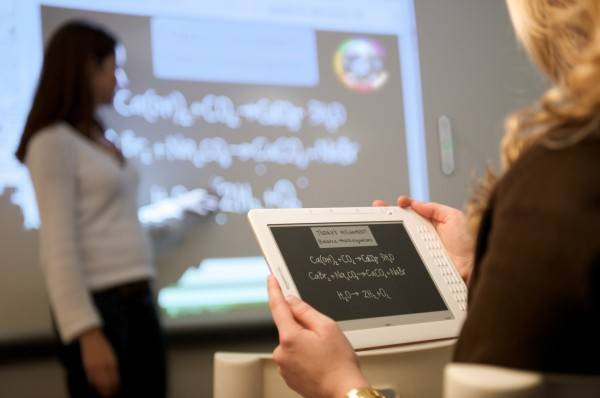 ebeam kindle e1266028625680 Eğitim İçin Teknolojik Cihazlar | Eğitimde Yenilikler 3