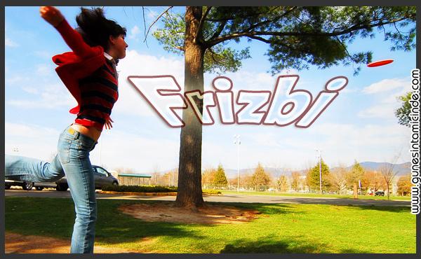 Süleyman Sönmez - Güneşin Tam İçinde frizbi2 Frizbi, Çılgın Uçan Disk | Frisbee Eğlence Oyun  UFO Uçan Turnuca spor Oyunları Oyun Nedir Nasıl Oynanır Köpek Genç Fırlat Frizbi Frisbee Disk Büyük çocuk Çılgın Aile