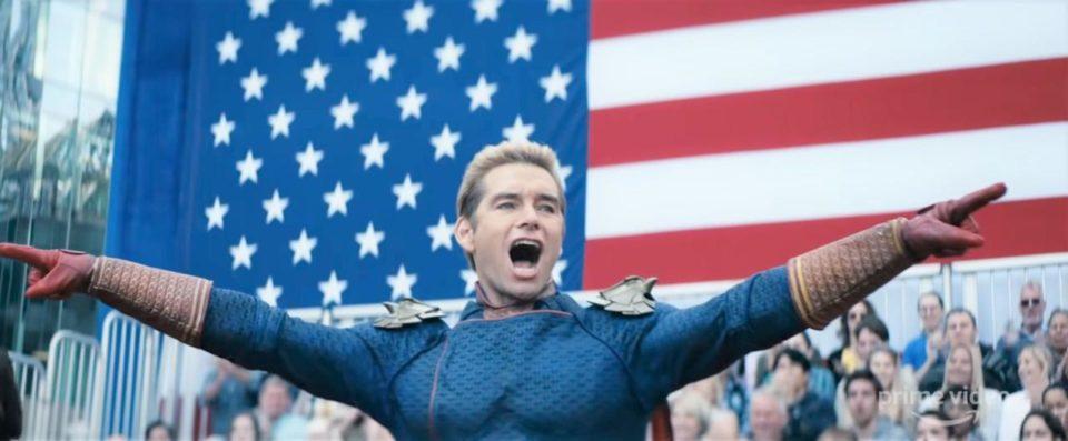 homelander Süper kahramanların filmleri çekildikçe DC ve Marvel sinematik evrenleri oluştu. Roller genelde iyi ve kötü arketiplere bölünmüş kolay anlaşılır ve aksiyona dayalı olurdu. Amaç teenage yaş grubundan büyük yaşlara, herkes esprilere gülsün, maceraya doysun ve sinemadan çıktığında verdiği bilet parasına hayıflanmasın(!) peşinden gidip posterini, tişörtünü, oyununu, biblosunu satın alıp o hayali dünyadan gayet de elle tutulur paralar kazanılmasını sağlasın. Süper kahramanların filmleri çekildikçe DC ve Marvel sinematik evrenleri oluştu. Roller genelde iyi ve kötü arketiplere bölünmüş kolay anlaşılır ve aksiyona dayalı olurdu. Amaç teenage yaş grubundan büyük yaşlara, herkes esprilere gülsün, maceraya doysun ve sinemadan çıktığında verdiği bilet parasına hayıflanmasın(!) peşinden gidip posterini, tişörtünü, oyununu, biblosunu satın alıp o hayali dünyadan gayet de elle tutulur paralar kazanılmasını sağlasın.