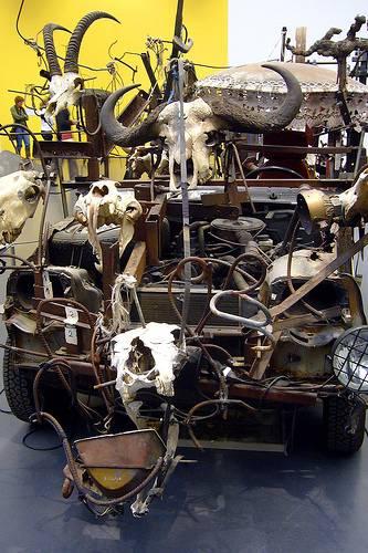 Süleyman Sönmez - Güneşin Tam İçinde jeantinguelyalles Jean Tinguely Müzesi İsviçre, Basel Bilim ve Teknoloji Gezi Kültür ve Sanat Maker / Mucit  İsviçre Sanat Müze Jean Tinguely bilim Basel