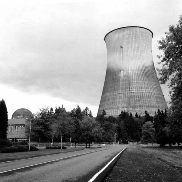nukleersantral31 Nükleer santral bir semboldür. En büyük silah gücünü elinde tutanların sembolü. Atom bombasını. Şu anda dünya devlerinin en belirgin özelliği tümünün nükleer enerji ve bomba sahibi olmasıdır. ABD, Rusya diyelim, Çin, İngiltere, Fransa gibi. Nükleer santral bir semboldür. En büyük silah gücünü elinde tutanların sembolü. Atom bombasını. Şu anda dünya devlerinin en belirgin özelliği tümünün nükleer enerji ve bomba sahibi olmasıdır. ABD, Rusya diyelim, Çin, İngiltere, Fransa gibi.