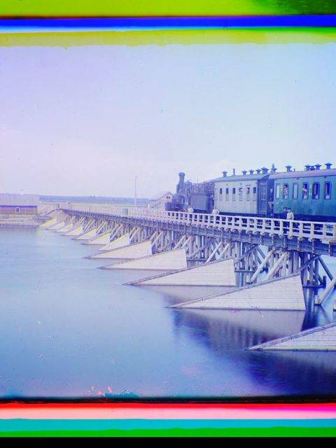 railroad bridge over the shuia river loc 9631429632 o Roman ismi gibi bir başlık üstteki ama konuyu çok güzel özetliyor. Yazı tam bir dedektif öyküsü tadında, yüzyıl önceki Rusya var, fotoğrafçılıkta az bilinen harika bir teknik, dijital düzeltme ve Photoshop, bilim, renk teorileri ve görme var. Roman ismi gibi bir başlık üstteki ama konuyu çok güzel özetliyor. Yazı tam bir dedektif öyküsü tadında, yüzyıl önceki Rusya var, fotoğrafçılıkta az bilinen harika bir teknik, dijital düzeltme ve Photoshop, bilim, renk teorileri ve görme var.