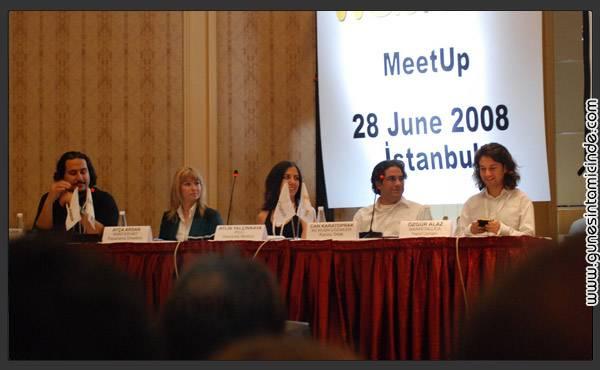 webrazzimeetup2 Bugünkü TechCrunch & Webrazzi MeetUp'ı da böyleydi.  Çünkü konuşmacılar da dinleyiciler de tek kelimeyle Türkiye İnternetinin en önemli aktörleriydi. Konferanslar biz web yazarları için çoğunlukla bilinen konulardı. Ancak güzel olan, bildiğimiz konulara farklı açılımlar yapan ve öneriler getiren konuşmacılardı. Bugünkü TechCrunch & Webrazzi MeetUp'ı da böyleydi.  Çünkü konuşmacılar da dinleyiciler de tek kelimeyle Türkiye İnternetinin en önemli aktörleriydi. Konferanslar biz web yazarları için çoğunlukla bilinen konulardı. Ancak güzel olan, bildiğimiz konulara farklı açılımlar yapan ve öneriler getiren konuşmacılardı.